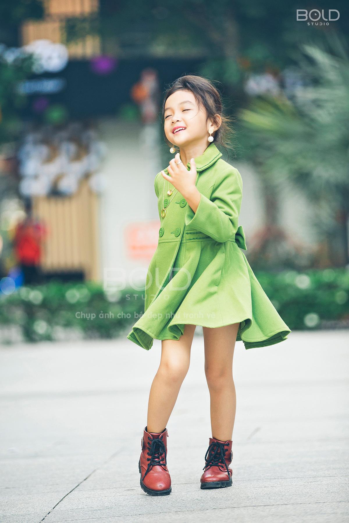 chụp ảnh cho bé đẹp như tranh vẽ