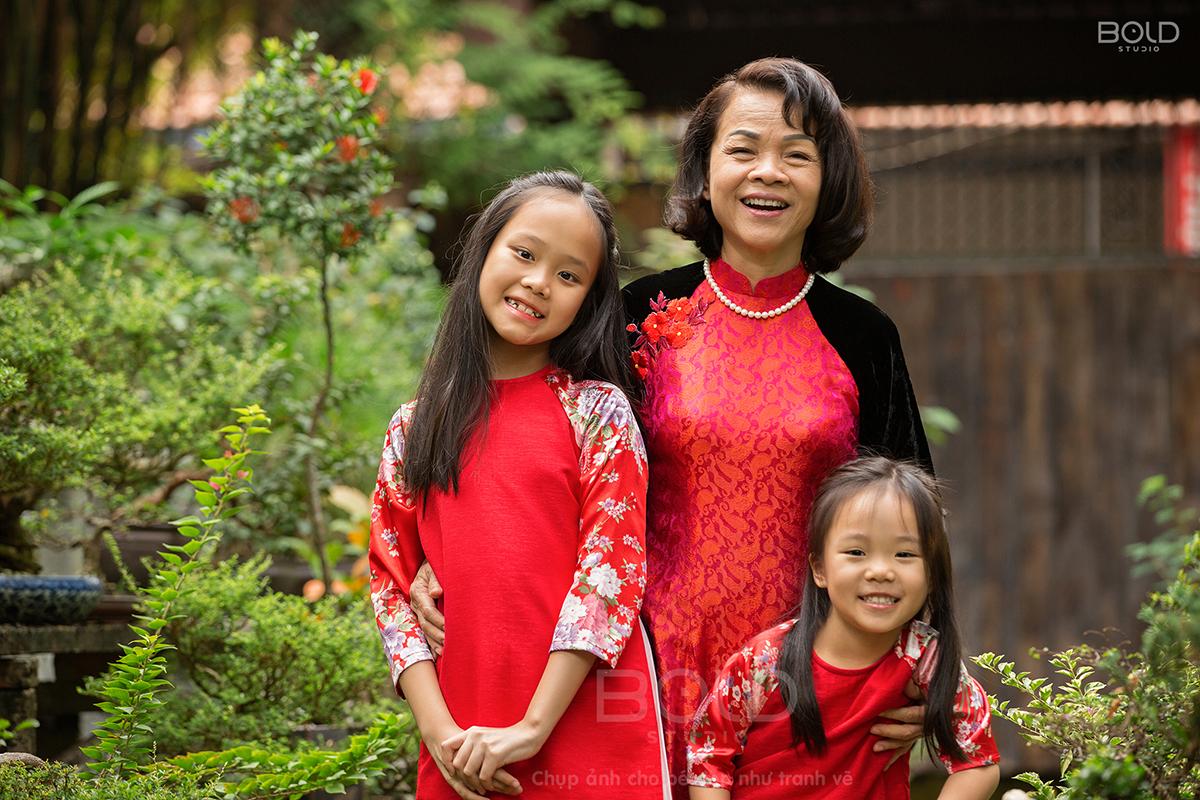 chụp ảnh gia đình nhiều thế hệ