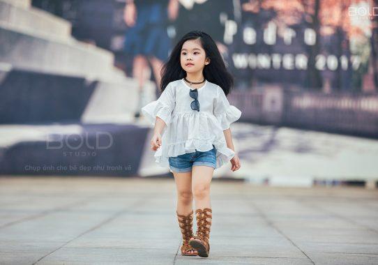 Báo StarPress: Cô bé 5 tuổi này chính là nàng công chúa tóc mây của làng mẫu nhí Việt