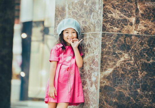 Báo aFamily: Loạt ảnh giải mã độ đáng yêu của mẫu nhí được ví là bản sao của Angela Phương Trinh