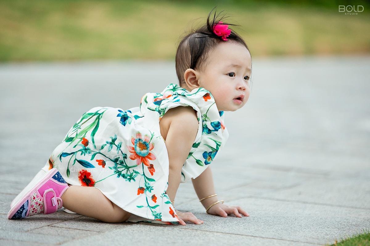 chụp ảnh em bé