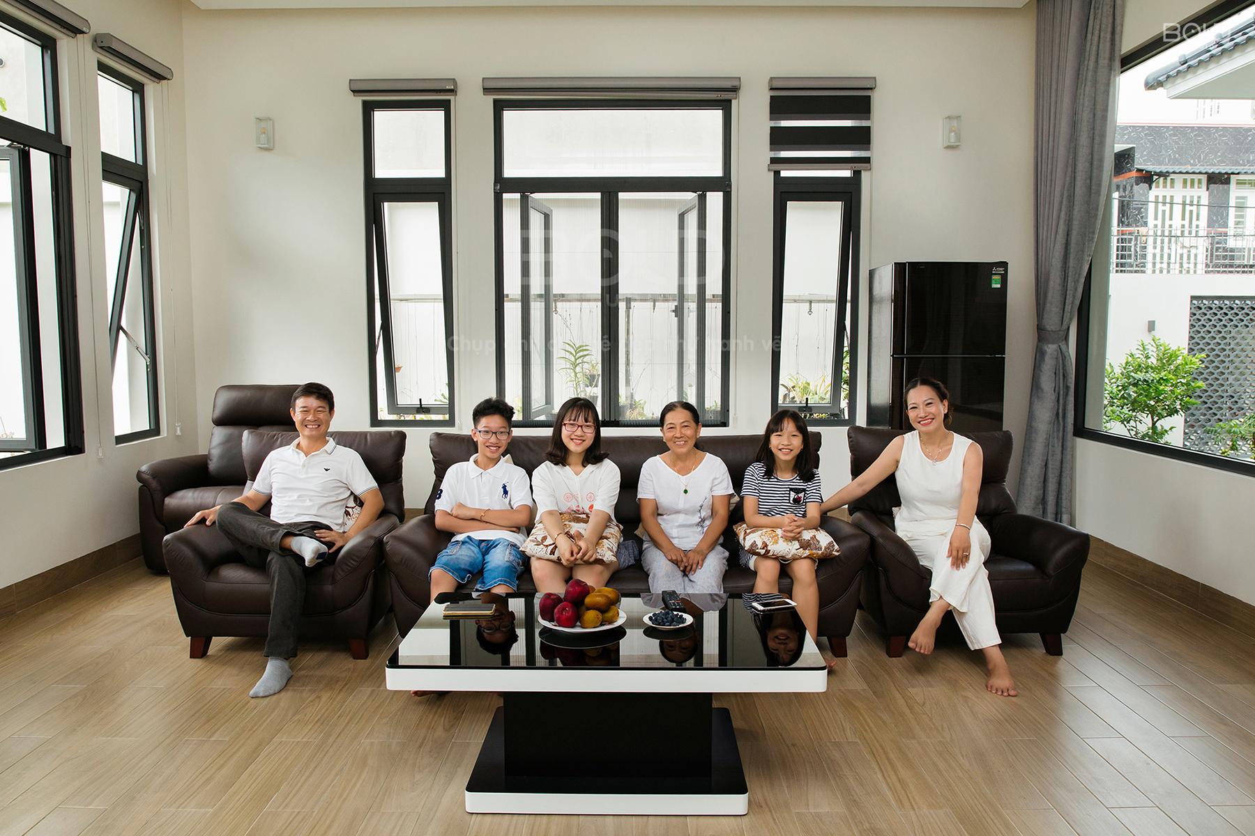 chụp ảnh gia đình tại nhà