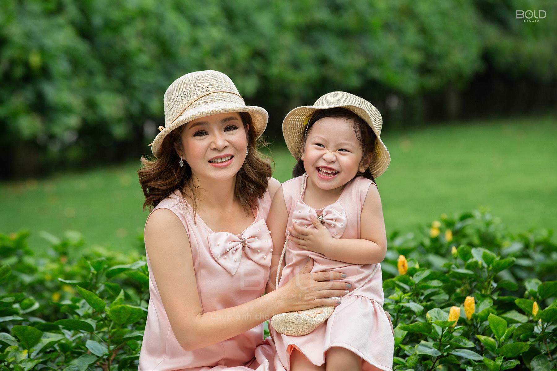 studio chụp ảnh mẹ và bé