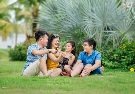 Chụp ảnh gia đình tại nhà ở quận 2