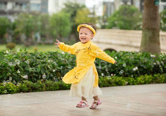 Chụp ảnh cho bé 2 tuổi