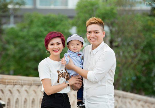 Chụp ảnh gia đình 3 người