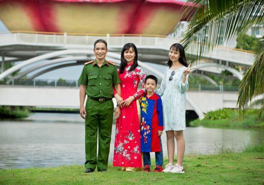 Chụp ảnh gia đình chị Tuyền